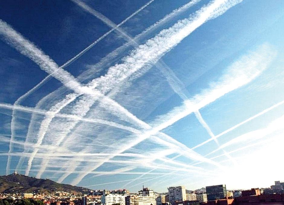 Los chemtrails son fumigaciones tóxicas que nos están envenenando ...